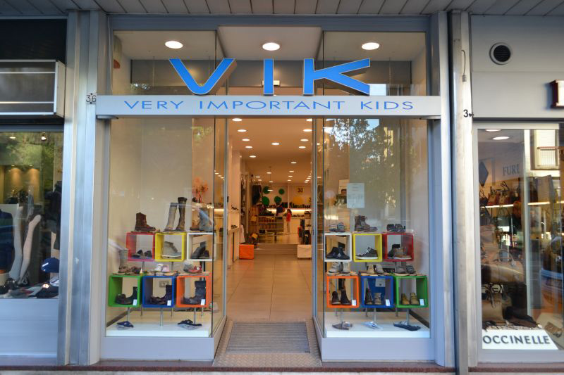 VIK Negozio di Scarpe per tutti i Bambini a Luino Varese c7f476bc6b7